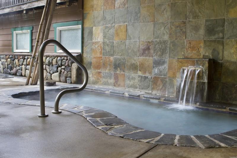 orr-hot-springs-tub